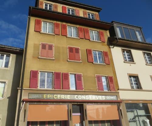 Joli immeuble de 4 appartements et 1 local commercial