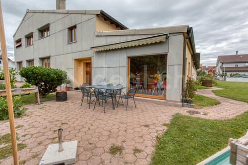 Habitation mixte, possibilité de faire des appartements!