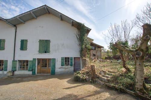 Soral: Maison de village à rénover