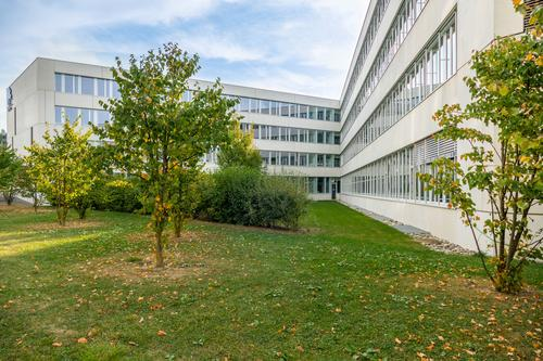 427 m2 - Magnifiques surfaces de bureaux à coté de Biopôle