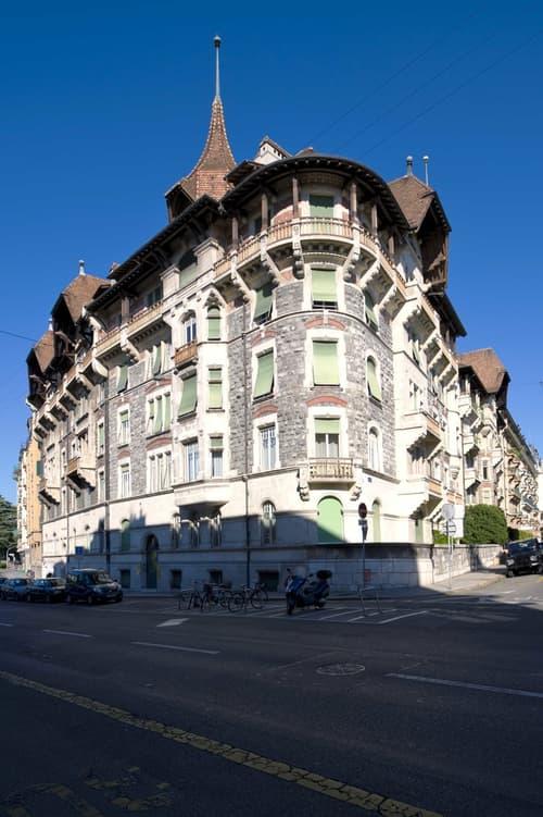 A LOUER - Locaux commerciaux d'env. 207 m2 au 2ème étage