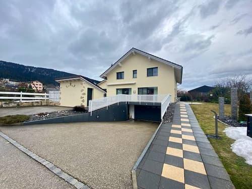 Magnifique et spacieuse  villa individuelle, à 50 mètres de l'école primaire