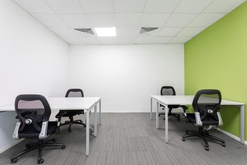 Uffici arredati per 3 o 4 persone Regus Cassarate