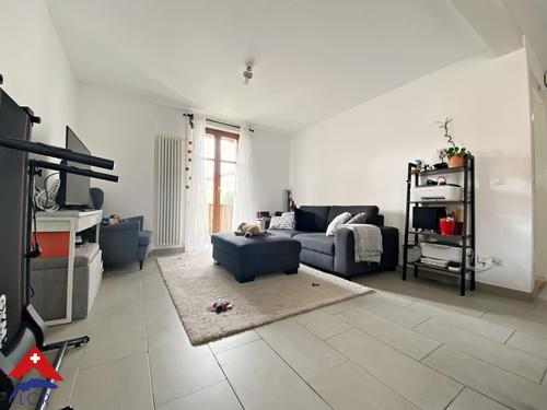 Charman appartement de 2.5 pièces / 1 chambre / SDB / balcon