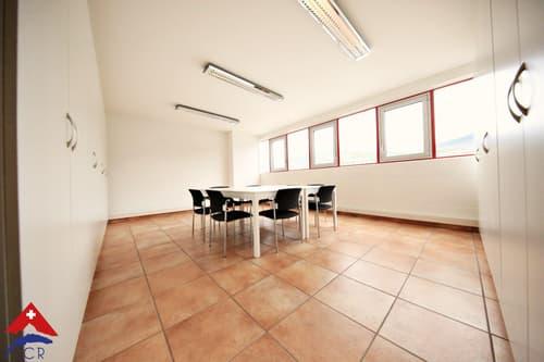 Superbe bureaux 5.5 pièces / 2 WC / Vue