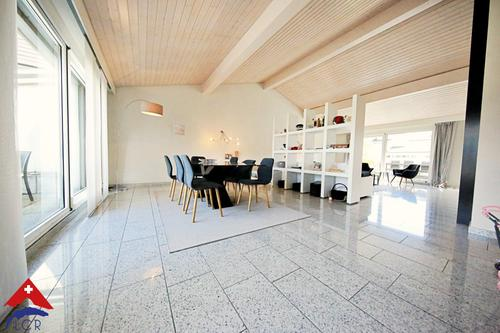 Magnifique attique 5.5 pièces / 3 chambres / Terrasses et vue