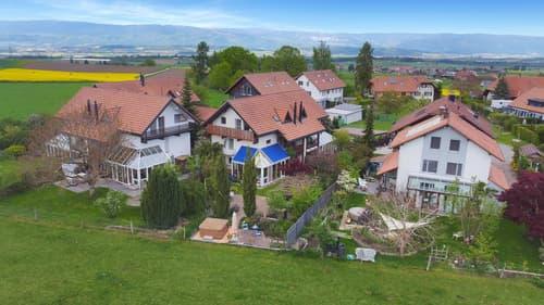 RESERVIERT   Familienfreundliche Doppelhaushälfte mit Garten