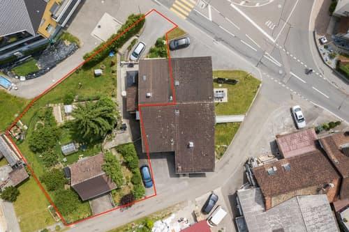 6-Zimmer-Eckhaus und und Schopf mit 871m2 Umschwung für Tierhaltung oder Bauland in naturnaher Lage