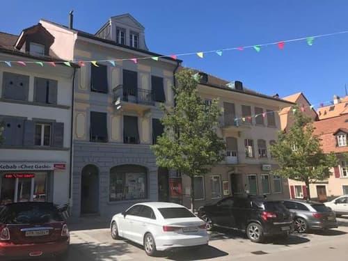 Immeubles à usage mixte locaux commerciaux, bureaux et un appartement