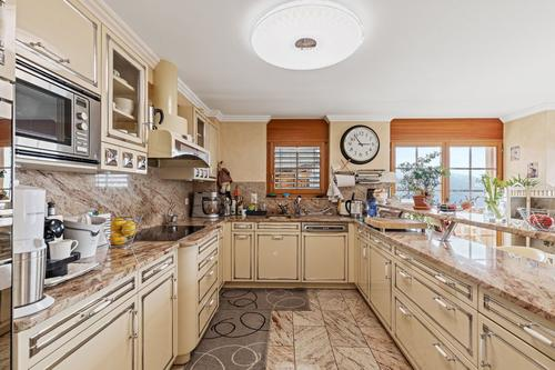 Superbe appartement style chalet de standing avec prestations hautes gammes, spacieux et très lumineux, à Crans-Montana !