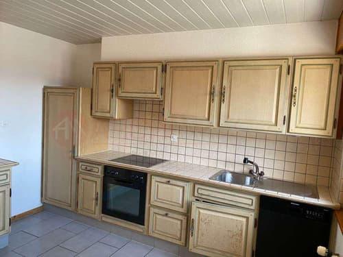 Très bel appartement lumineux de 4.5 pièces, rénové à St Pierre de Clages proche d' Ovronnaz.