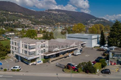 Muzzano, zona Piodella, vendiamo stabile commerciale di ottimo rendimento