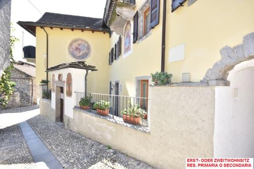 Wohnung in einem Tessiner Haus / Appartamento in casa ticinese