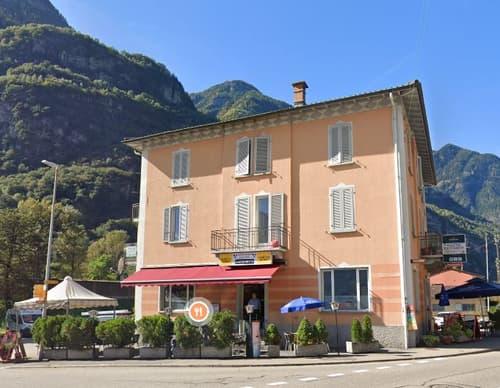 Casa plurifamiliare + ristorante / Mehrfamilienhaus + Restaurant