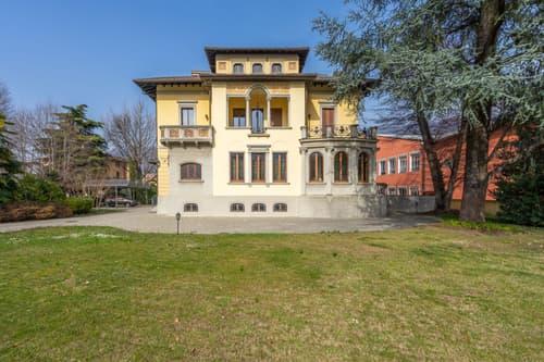 Prestigiosa villa adibita ad uso uffici