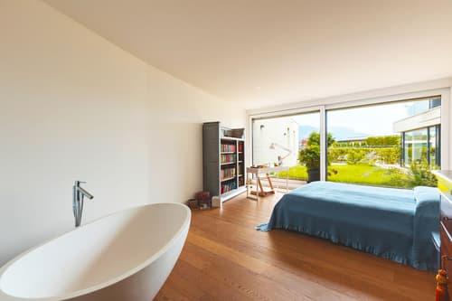 Splendido appartamento con giardino in palazzina esclusiva