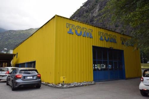 Capannone-Carrozzeria / Werkhalle-Karosserie