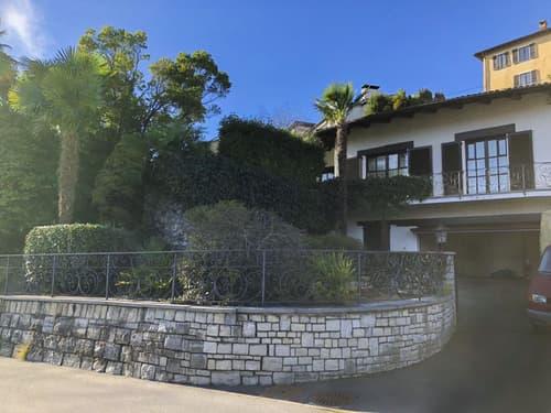 Bella villa unifamiliare con giardino a Breganzona