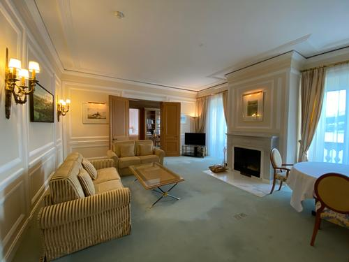 Elegante Wohnung mit einzigartiger Berg- und Seesicht mitten in Luzern mit 5 Sterne Komfort