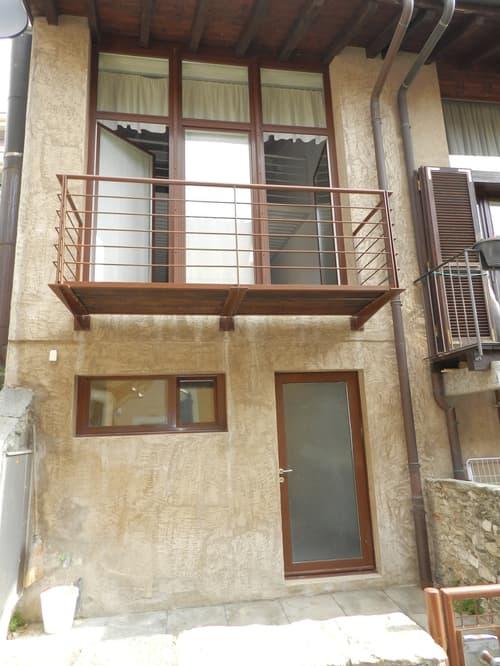 rustico con balcone e terrazza