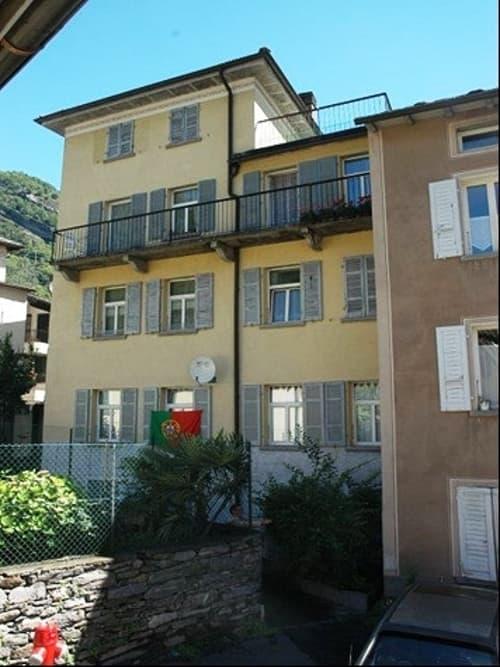 Mehrfamilienhaus mit vier 2.5 Zimmerwohnungen an ruhiger und sonniger