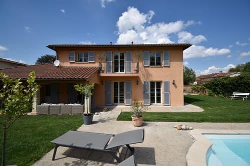 CHASSELAY (69) maison d'architecte récente de 214 m² avec piscine et