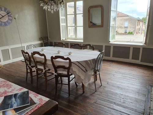 Dpt Vosges (88), à vendre proche de CHARMES maison P10 ANCIEN