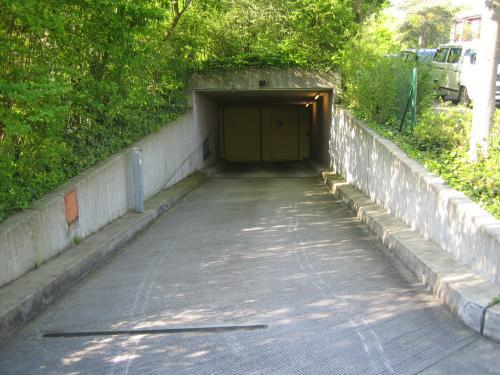 Einfahrt Einstellhalle Seminarstrasse 57a