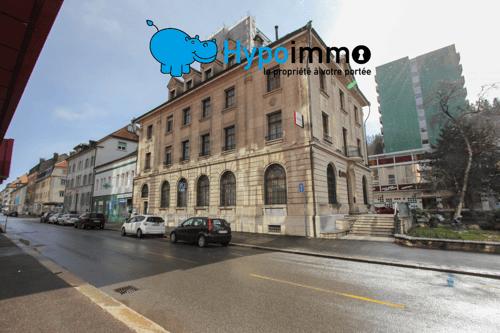 Immeuble administratif et commercial