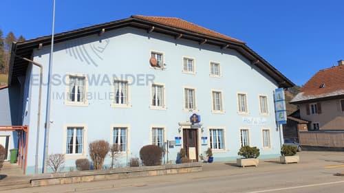 Immeuble avec Hôtel-Restaurant, un appartement + chambres