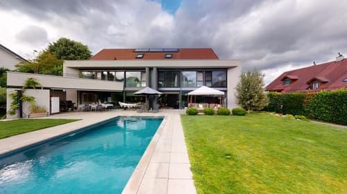 Villa individuelle (8 pièces) de standing avec piscine