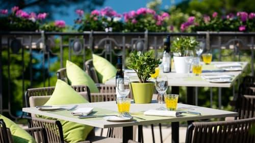 Bord du Lac : Superbe Restaurant avec chambres à vendre
