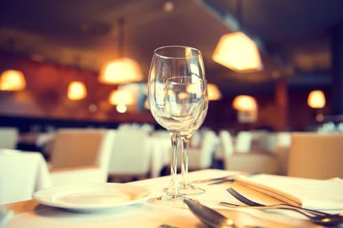 Lausanne : Bar Restaurant avec Fumoir à vendre