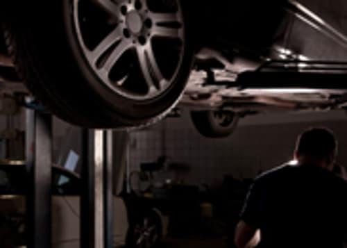 Mendrisiotto : Autofficina con Ampio Parcheggio