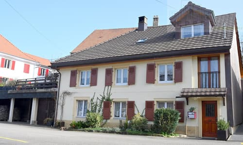 Charmante maison au coeur du village de Fontenais.