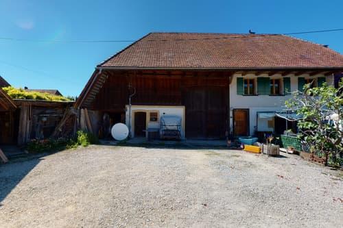 Splendide ferme du XIXe siècle avec appartement et énorme potentiel