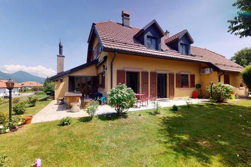 Magnifique villa au coeur du village