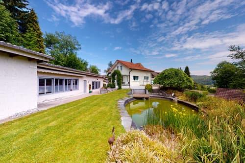 Grosszügiges Haus mit Werkstatt, Atelier und wunderbarer Gartenanlage