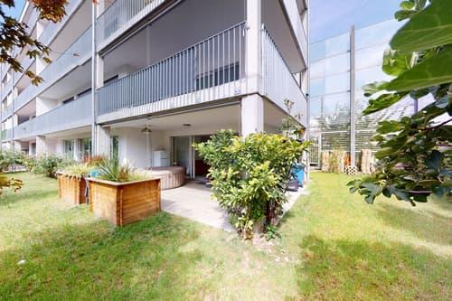 Lichtdurchflutete 4.5 Zimmer Wohnung mit privatem Garten