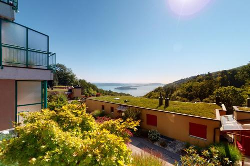 Grand duplex avec terrasse et vue spectaculaire sur les lacs