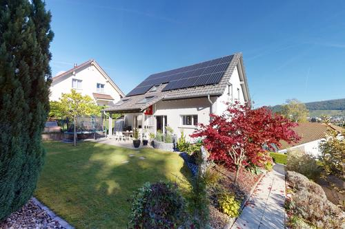 Sehr gepflegtes Einfamilienhaus mit grossem Garten und Weitsicht