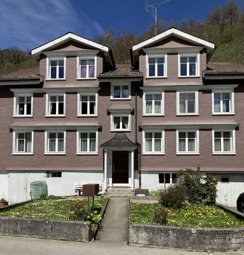 Vollvermietetes Mehrfamilienhaus mit 4 Wohnungen und Baulandparzelle