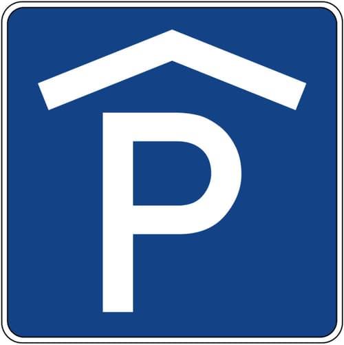 Einstell- und Aussenparkplätze Nähe Bahnhof Cazis!