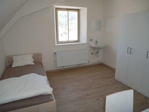 *1. Mietzins GRATIS* Renoviertes und möbliertes Zimmer zu sehr günstigem Preis