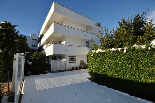 Palazzina a Reddito di 5 Appartamenti con Vista Panoramica