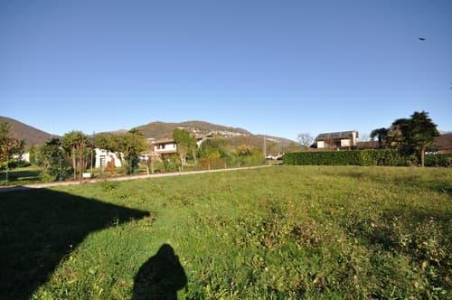 Terreno Edificabile Orientato a Sud, 400 metri dal Lago di Lugano
