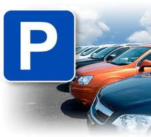 Parkplatz in Einstelhalle zu vermieten!