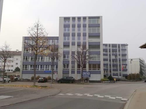Bürokomplex mit grossen Konferenzräumen