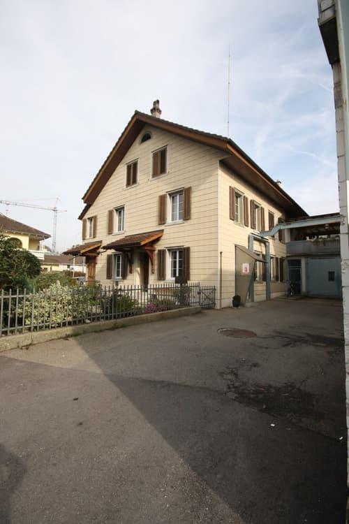 Wohn- und Gewerbehaus in unmittelbarer Nähe zum Bahnhof