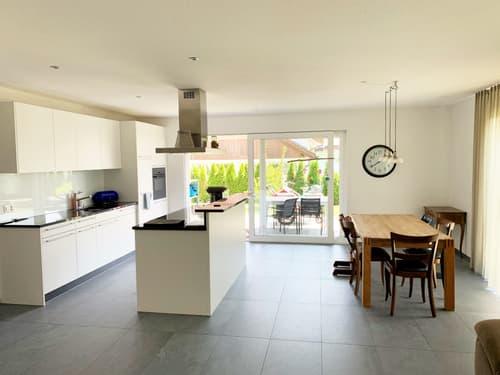 Moderne, grosszügige 4.5-Zimmerwohung (120 m2) mit grossem Gartensitzplatz